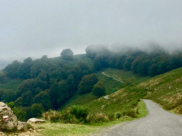 Höhenstrasse im Baskenland - Pyrenäen Durchquerung Rennrad