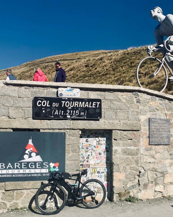 Passschild Col du Tourmalet - Pyrenäen Durchquerung Rennrad